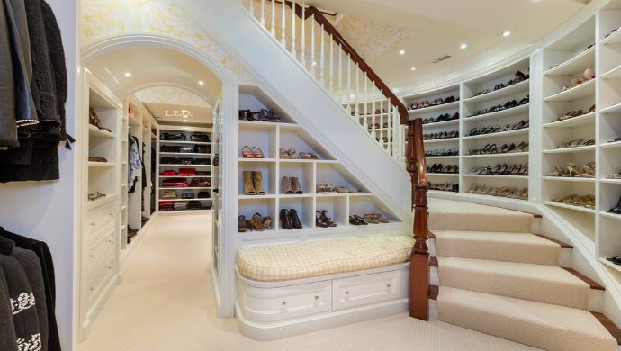 Fascinating Closets That You Must See Fashion closet  Newsletter Fashion closet