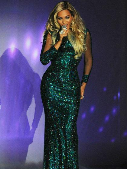Beyonce  Beyonce wears Vrettos Vrettakos - Brit Awards 2014 beyonce1