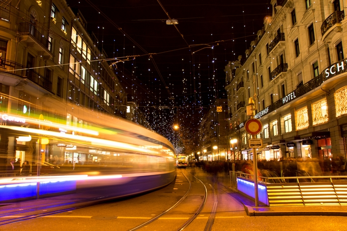 Bahnhofstrasse-top-shopping-streets-in-the-world-fashion-design-weeks