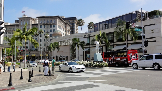 Rodeo-Drive-top-shopping-streets-in-the-world-fashion-design-weeks