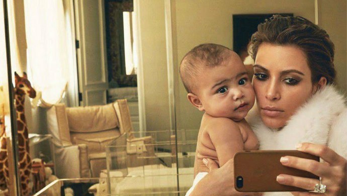Top-10-Celebrity-Mothers-and-Daughters-Kim-Kardashian-and-North-West-Fashion-Design-Weeks  Top 10 Celebrity Mothers and Daughters Top 10 Celebrity Mothers and Daughters Kim Kardashian and North West Fashion Design Weeks1