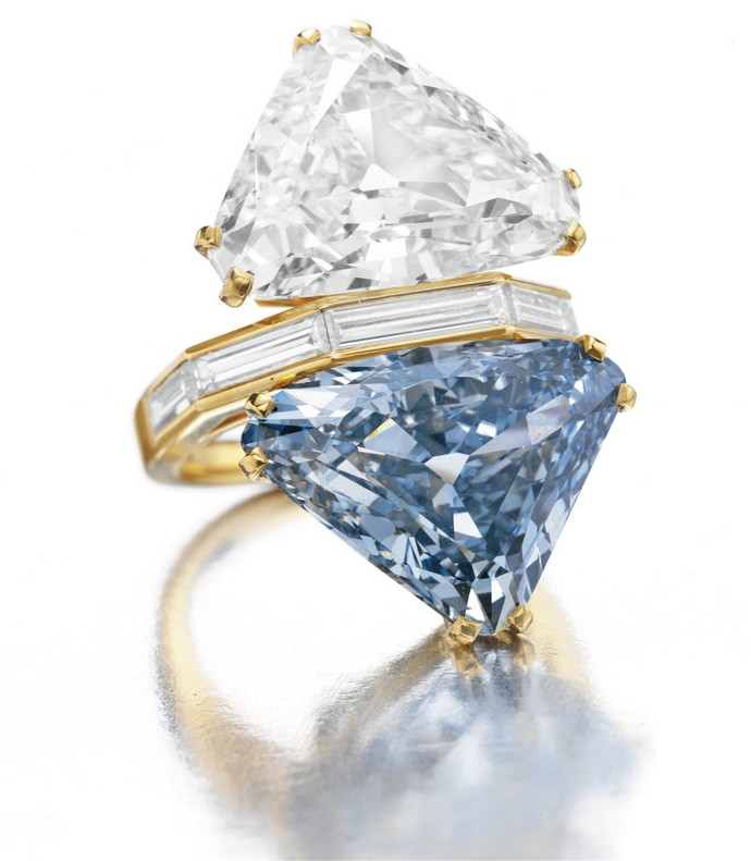 Top-10-most-expensive-jewelry-in-the-world- Bulgari-Blue-Diamond-Ring-Fashion-Design-Weeks