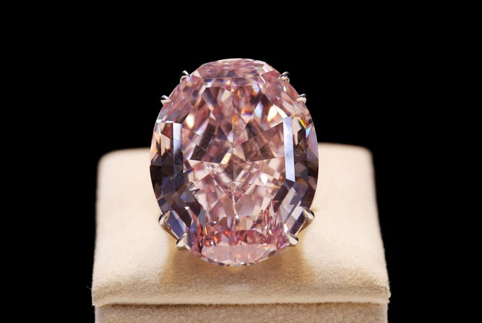 Top-10-most-expensive-jewelry-in-the-world-Pink-Star-Diamond-Fashion-Design-Weeks