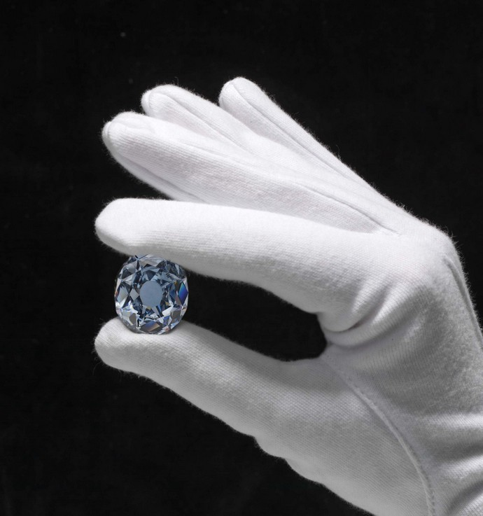 Top-10-most-expensive-jewelry-in-the-world-Wittelsbach-Graff-Diamond-Fashion-Design-Weeks