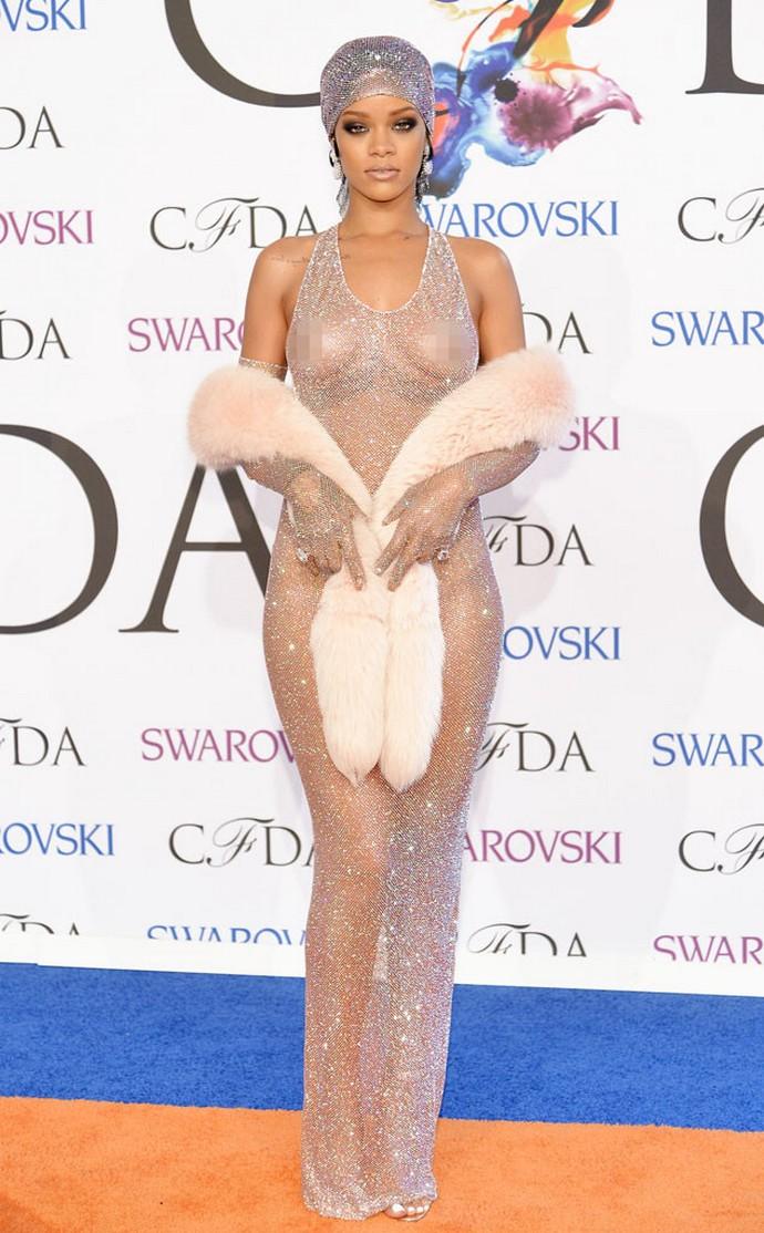 2014-CFDA-Awards-The-Best-Looks-Rihanna-Fashion-Interior-Design  2014 CFDA Awards: The Best Looks 2014 CFDA Awards The Best Looks Rihanna Fashion Interior Design