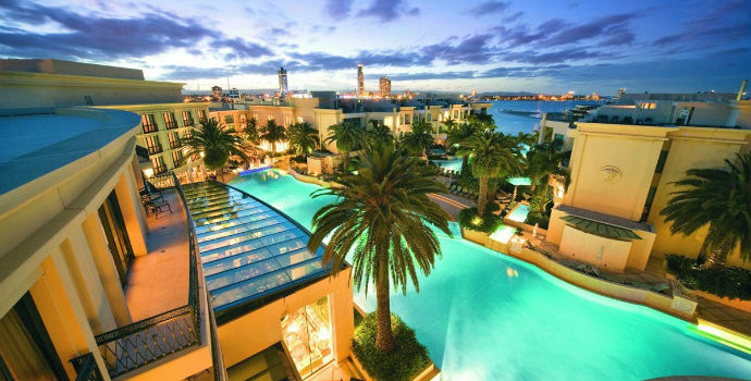 Haute-Couture-Hotels-The-Best-Fashion-Hotels-Palazzo-Versace-Gold-Coast-Australia