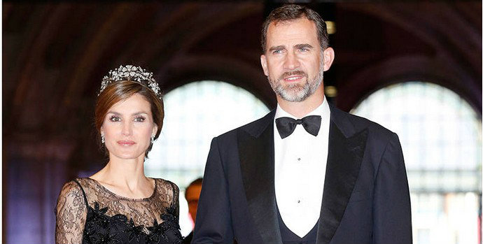 Queen Letizia of Spain's Top Style Moments  Queen Letizia of Spain's Top Style Moments Queen Letizia of Spains Top Style Moments 111