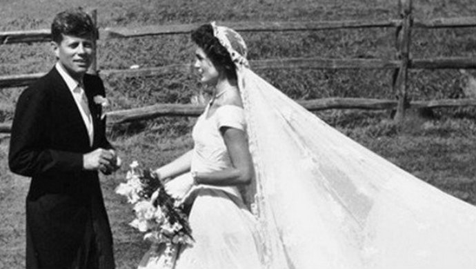The-Most-Famous-Wedding-Dresses-Jacqueline-Kennedy  The Most Famous Wedding Dresses The Most Famous Wedding Dresses Jacqueline Kennedy2
