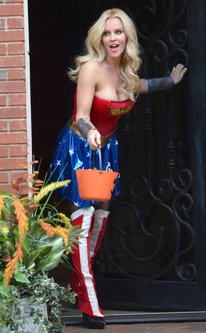 Best-Celebrity-Halloween-Costumes-JENNY-MCCARTHY  Best Celebrity Halloween Costumes Best Celebrity Halloween Costumes JENNY MCCARTHY