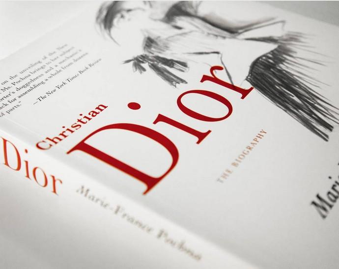 Top Fashion Designers Books Fashion Design Weeks