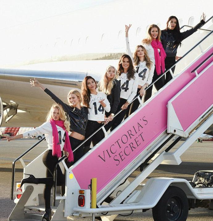 Fashion-Design-Weeks-Victoria-Secret-Special-Flight-to-London  Victoria's Secret Special Flight to London Fashion Design Weeks Victoria Secret Special Flight to London 4