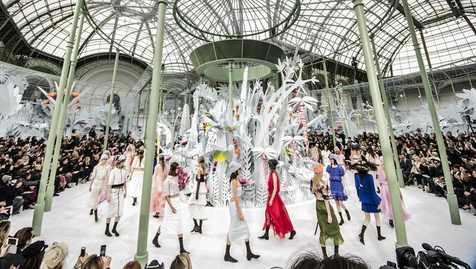 Fashion-Design-Weeks-Chanel-Spring-2015-Haute-Couture  Chanel – Spring 2015 Couture Fashion Design Weeks Chanel Spring 2015 Haute Couture 81