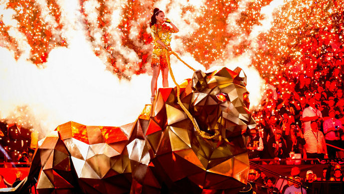 Fashion-Design-Weeks-Katy-Perry-Half-Time-performance-at-Super-Bowl-2015