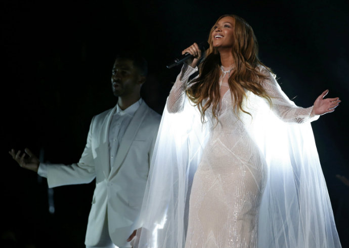 Fashion-Design-Weeks-Best-Moments-of-The-2015-Grammy-Awards-Beyonce