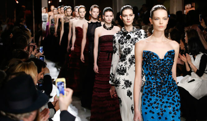 Fashion-Design-Weeks-Oscar-de-la-Renta-at-New-York-Fashion-Show