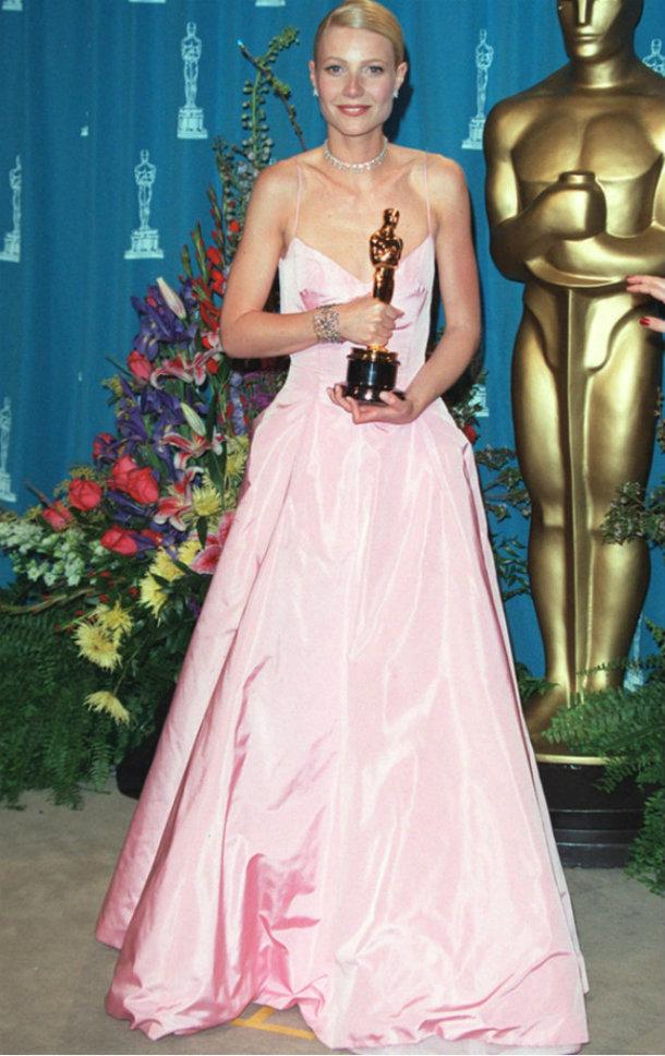 Oscars 2015: A look through the Oscars all time best looks  Oscars 2015: A look through the Oscars all time best looks Gwyneth rex1999 2454502a