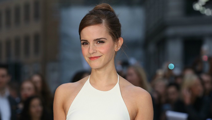 Celebrity Style: 10 Best Looks From Emma Watson ➤ To see more news about fashion visit us at www.fashiondesignweeks.com #fashiontrends #fashiontips #celebritystyle #elisabethmoments #fashiondesigners @fashiondesignweeks @elisabethmoments Best Looks From Emma Watson Celebrity Style: 25 Best Looks From Emma Watson feat 5
