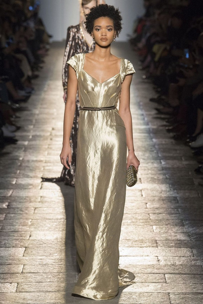 Fashion Trends for Fall Winter 2017 With Metallic Glaze ➤ To see more news about fashion visit us at www.fashiondesignweeks.com #fashiontrends #fashiontips #celebritystyle #elisabethmoments #fashiondesigners @fashiondesignweeks @elisabethmoments Fashion Trends for Fall Winter 2017 Fashion Trends for Fall Winter 2017 With Metallic Glaze Fashion Trends for Autumn Winter 2017 With Metallic Glaze 14