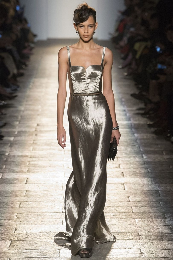 Fashion Trends for Autumn Winter 2017 With Metallic Glaze ➤ To see more news about fashion visit us at www.fashiondesignweeks.com #fashiontrends #fashiontips #celebritystyle #elisabethmoments #fashiondesigners @fashiondesignweeks @elisabethmoments Fashion Trends for Fall Winter 2017 Fashion Trends for Fall Winter 2017 With Metallic Glaze Fashion Trends for Autumn Winter 2017 With Metallic Glaze 2