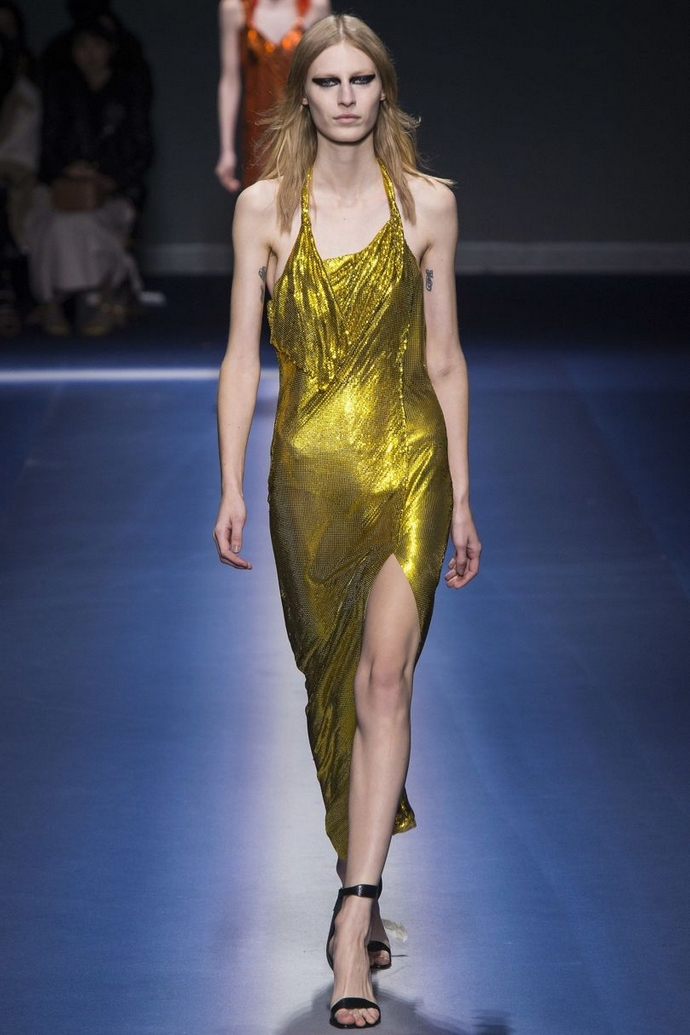 Fashion Trends for Autumn Winter 2017 With Metallic Glaze ➤ To see more news about fashion visit us at www.fashiondesignweeks.com #fashiontrends #fashiontips #celebritystyle #elisabethmoments #fashiondesigners @fashiondesignweeks @elisabethmoments Fashion Trends for Fall Winter 2017 Fashion Trends for Fall Winter 2017 With Metallic Glaze Fashion Trends for Autumn Winter 2017 With Metallic Glaze 5