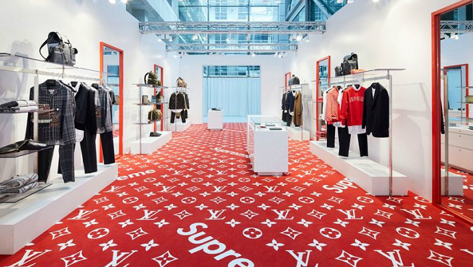 Get Inside The Addictive Louis Vuitton Pop Up in London ➤ To see more news about fashion visit us at www.fashiondesignweeks.com #fashiontrends #fashiontips #celebritystyle #elisabethmoments #fashiondesigners @fashiondesignweeks @elisabethmoments
