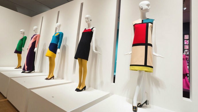 12 Amazing Fashion Exhibitions That You Must Visit This Summer ➤ To see more news about fashion visit us at www.fashiondesignweeks.com #fashiontrends #fashiontips #celebritystyle #elisabethmoments #fashiondesigners @fashiondesignweeks @elisabethmoments Amazing Fashion Exhibition 12 Amazing Fashion Exhibitions That You Must Visit This Summer feat 1