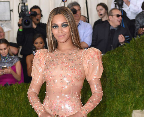 Meet The 15 Most Expensive Celebrity Dresses Of All time