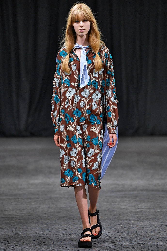 10 Amazing Outfits From Copenhagen Fashion Week ➤ To see more news about fashion visit us at www.fashiondesignweeks.com #fashiontrends #fashiontips #celebritystyle #elisabethmoments #fashiondesigners @fashiondesignweeks @elisabethmoments