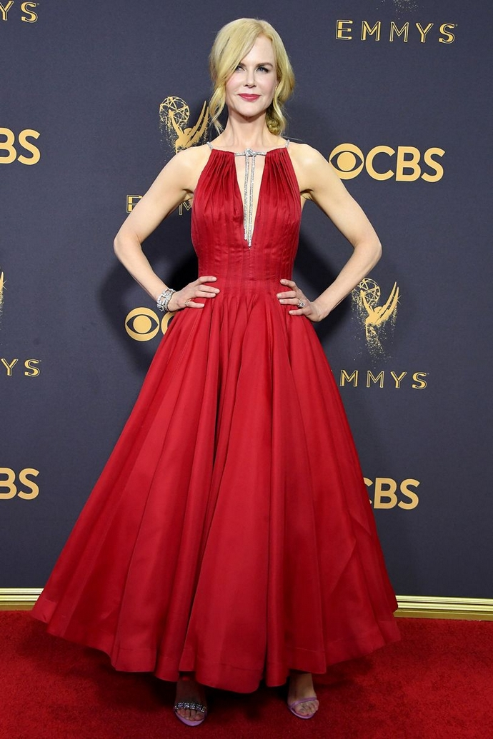 Be Inspired By The Best Looks From The Primetime Emmy Awards 2017 ➤ To see more news about fashion visit us at www.fashiondesignweeks.com #fashiontrends #fashiontips #celebritystyle #elisabethmoments #fashiondesigners @fashiondesignweeks @elisabethmoments primetime emmy awards 2017 Be Inspired By The Best Looks From The Primetime Emmy Awards 2017 Be Inspired By The Best Looks From The Emmy Awards 2017 2