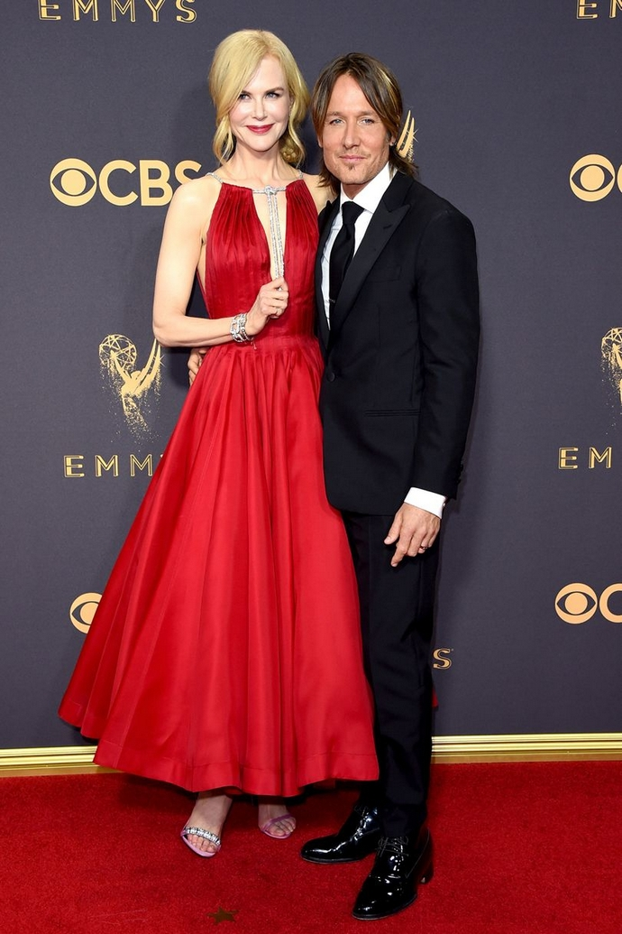 Be Inspired By The Best Looks From The Emmy Awards 2017 ➤ To see more news about fashion visit us at www.fashiondesignweeks.com #fashiontrends #fashiontips #celebritystyle #elisabethmoments #fashiondesigners @fashiondesignweeks @elisabethmoments primetime emmy awards 2017 Be Inspired By The Best Looks From The Primetime Emmy Awards 2017 Be Inspired By The Best Looks From The Emmy Awards 2017 35