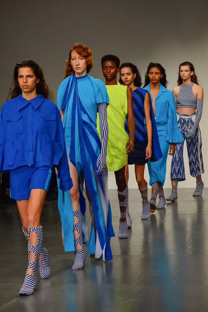 First Highlights From London Fashion Week 2017 ➤ To see more news about fashion visit us at www.fashiondesignweeks.com #fashiontrends #fashiontips #celebritystyle #elisabethmoments #fashiondesigners @fashiondesignweeks @elisabethmoments  london fashion week 2017 First Highlights From London Fashion Week 2017 First Highlights From London Fashion Week 2017 15