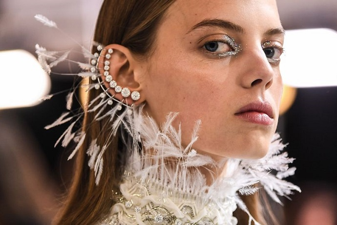 First Highlights From London Fashion Week 2017 ➤ To see more news about fashion visit us at www.fashiondesignweeks.com #fashiontrends #fashiontips #celebritystyle #elisabethmoments #fashiondesigners @fashiondesignweeks @elisabethmoments  london fashion week 2017 First Highlights From London Fashion Week 2017 First Highlights From London Fashion Week 2017 9