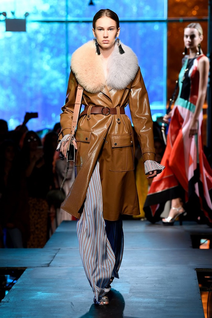 Highlights From New York Fashion Week September 2017 ➤ To see more news about fashion visit us at www.fashiondesignweeks.com #fashiontrends #fashiontips #celebritystyle #elisabethmoments #fashiondesigners @fashiondesignweeks @elisabethmoments
