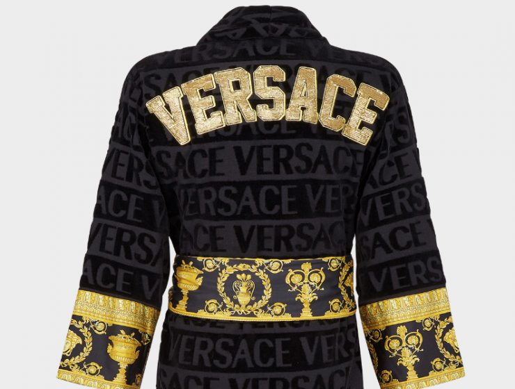 Christmas Gifts Ideas Christmas Gifts Ideas – Spoil Her with Versace's Picks This Holiday 90 ZACJ00010 ZCOSP052 Z4800 20 EmbroideredLogoBaroqueBathrobe Bathrobes versace online store 2 3 740x560