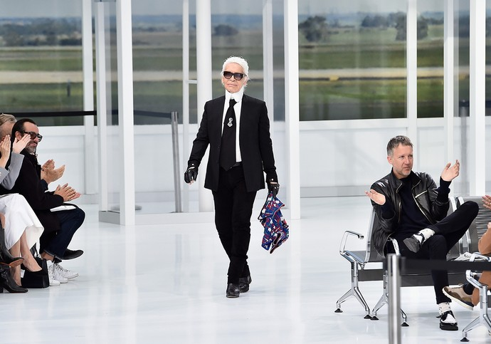 Karl Lagerfeld and Chanel Will Feature on a Fashion Netflix Show Karl Lagerfeld Karl Lagerfeld and Chanel Will Feature on a Fashion Netflix Show Karl Lagerfeld and Chanel Will Feature on a Fashion Netflix Show 2