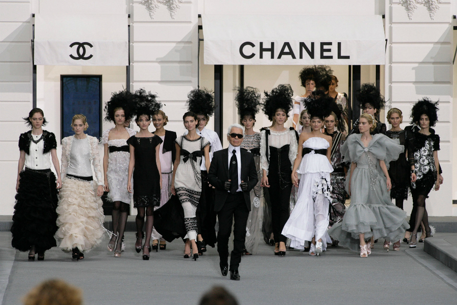 Karl Lagerfeld Karl Lagerfeld and Chanel Will Feature on a Fashion Netflix Show ppppp