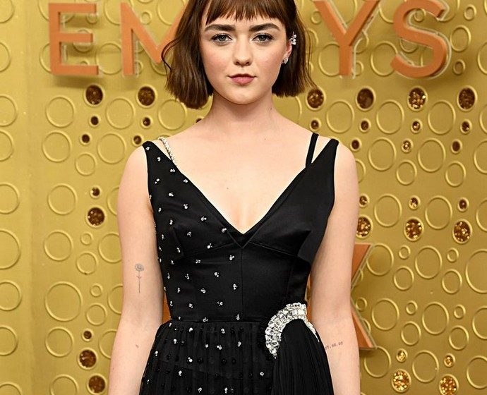 Maisie Williams's Emmys Dress – The Making Off Maisie Williamss Emmys Dress The Making Off 2 690x560  Advertising Maisie Williamss Emmys Dress The Making Off 2 690x560
